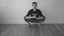 naturlige siddestillinger squat